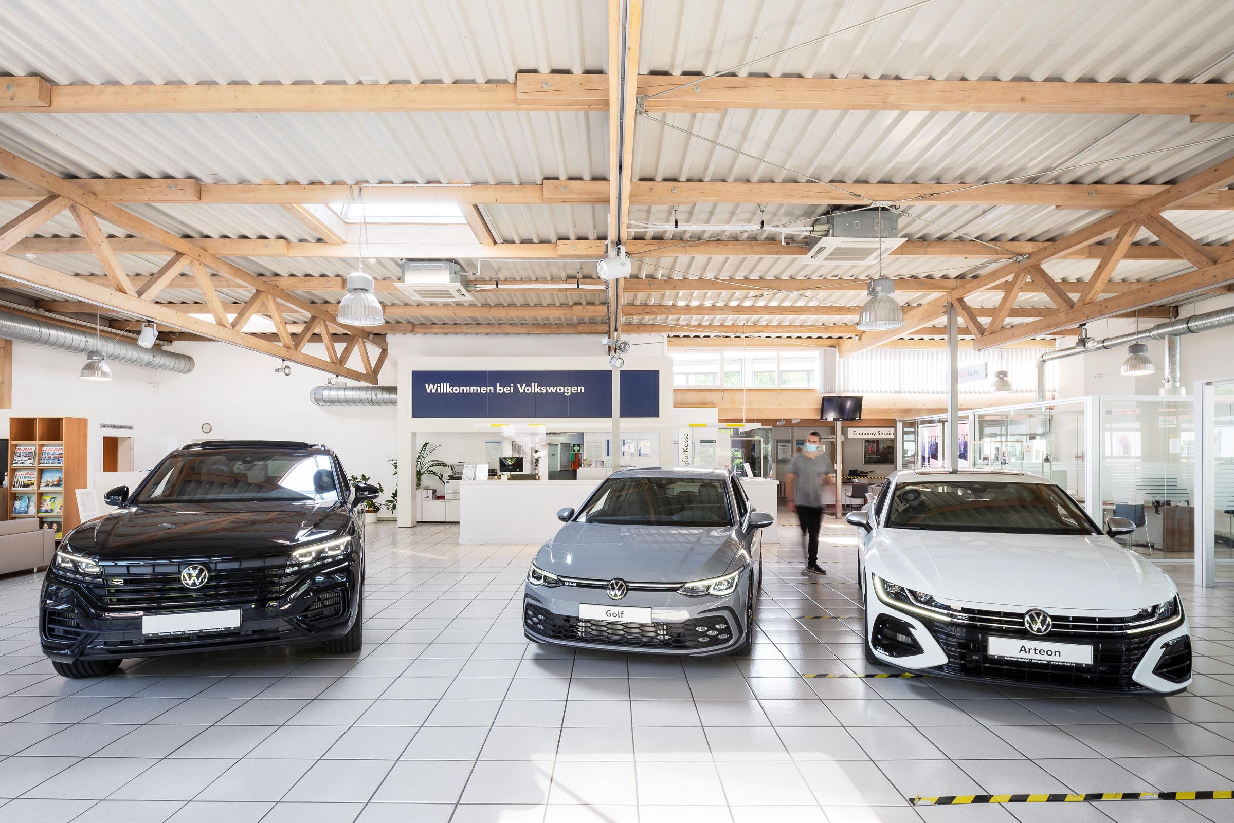 autohaus-morrkopf-weingarten-gebrauchtwagen-leasing-Auto-Austellung