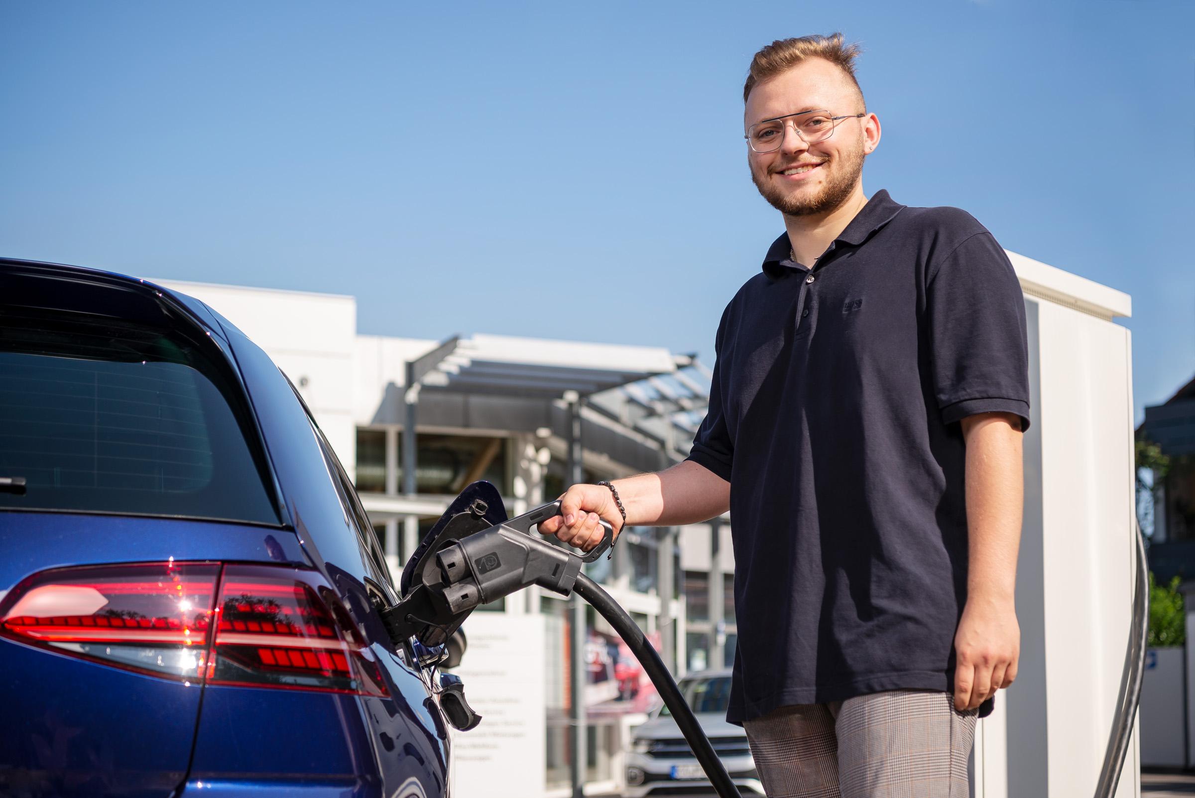 autohaus-morrkopf-weingarten-gebrauchtwagen-leasing-Service-Mitarbeiter-KFZ-Neukauf
